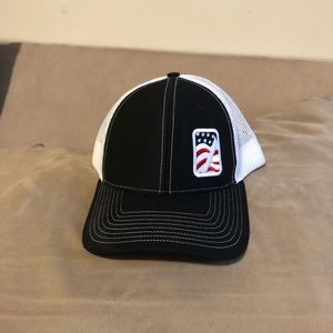 Flag Snap Back